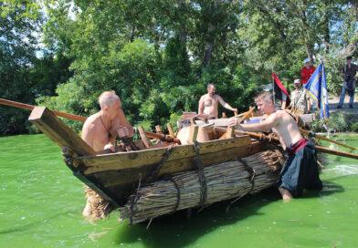 На Дніпропетровщині створили унікальний козацький човен (Фото)
