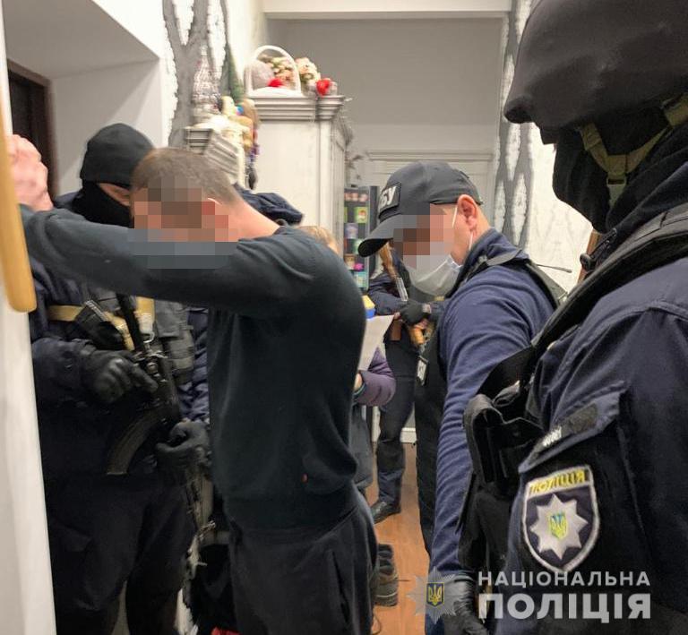 злочинне угруповання_Нікополь