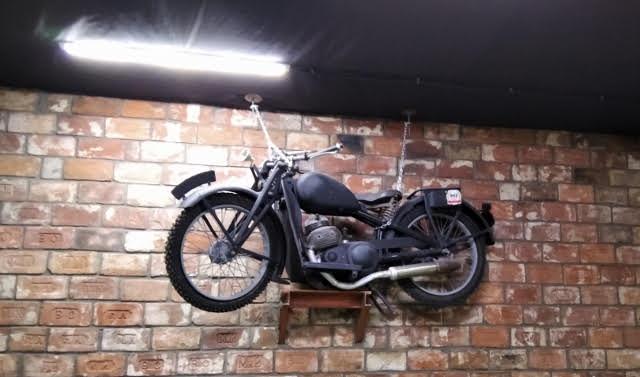 Мотоцикл Красный октябрь