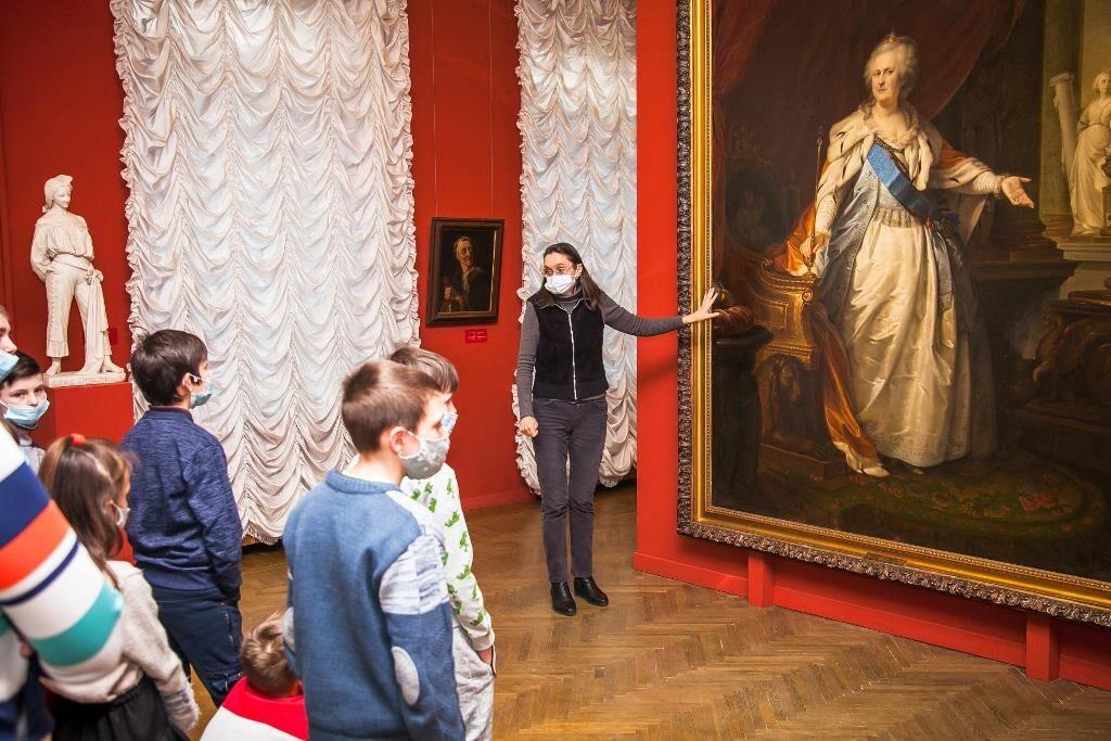 Художній музей_благодійна акція