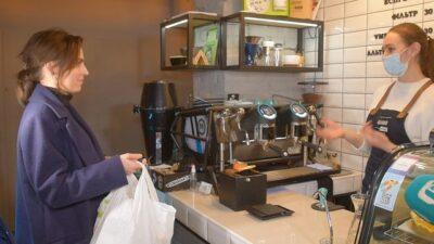 В Днепре пластиковый мусор обменивали на кофе (фото)