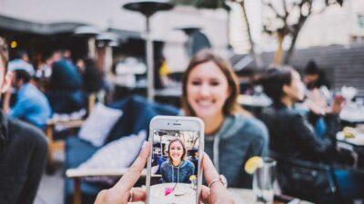 Эксперты назвали лучшие смартфоны 2021 года
