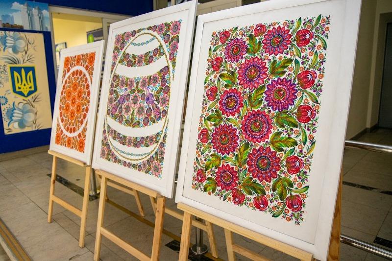 выставка петриковской росписи