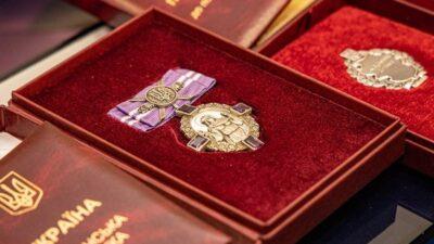 У ДніпроОДА мешканцям регіону вручили державні нагороди