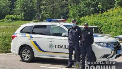 поліцейські врятували рибалку