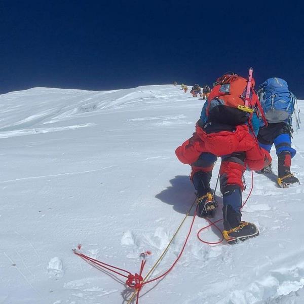 Дмитрий Семеренко покорил гору Чогори