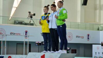 Єлизавета Губарєва_Дніпро