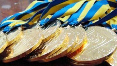Выдающихся спортсменов, тренеров и ветеранов спорта Днепропетровщины поощрили стипендией Кабмина
