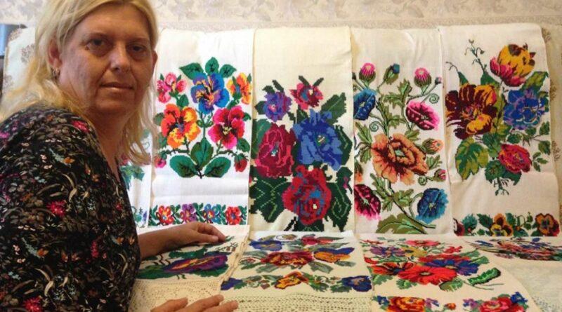 Колекція мешканки Дніпропетровщини нараховує 350 українських рушників